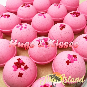 Hugs & Kisses 2 oz Bath Bomb