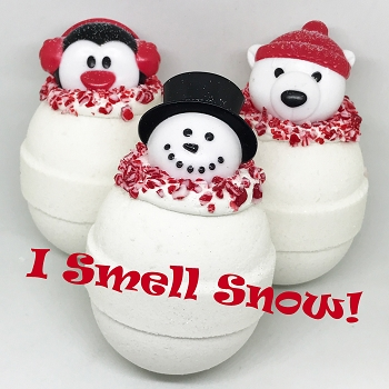 I Smell Snow Frosted 5.5 oz Bath Bomb