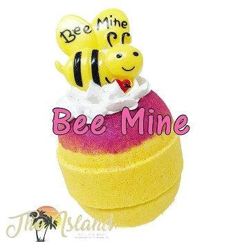 Bee Mine Frosted 5.5 oz Bath Bomb