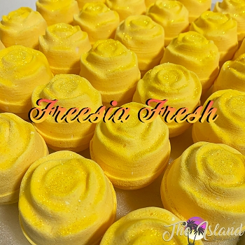 Freesia Fresh 5.5 oz Flower Bath Bomb