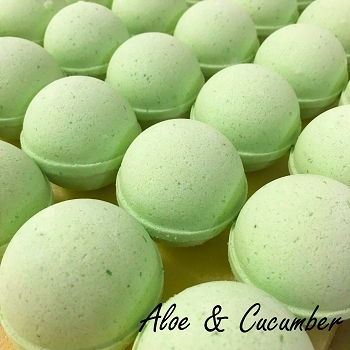 Aloe & Cucumber 5.5 oz Bath Bomb