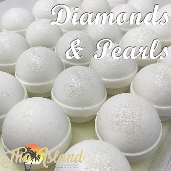 Diamonds & Pearls 2 oz Bath Bomb