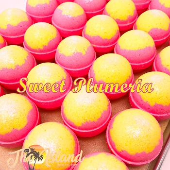 Sweet Plumeria 2 oz Bath Bombs