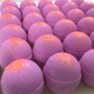 Lick Me All Over 5.5 oz Bath Bomb