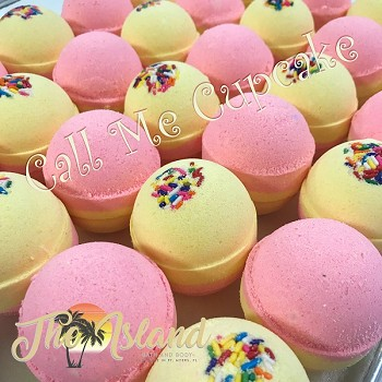 Call Me Cupcake 4.5 oz Bath Bombs